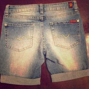 Like new little girls 7 for all mankind shorts